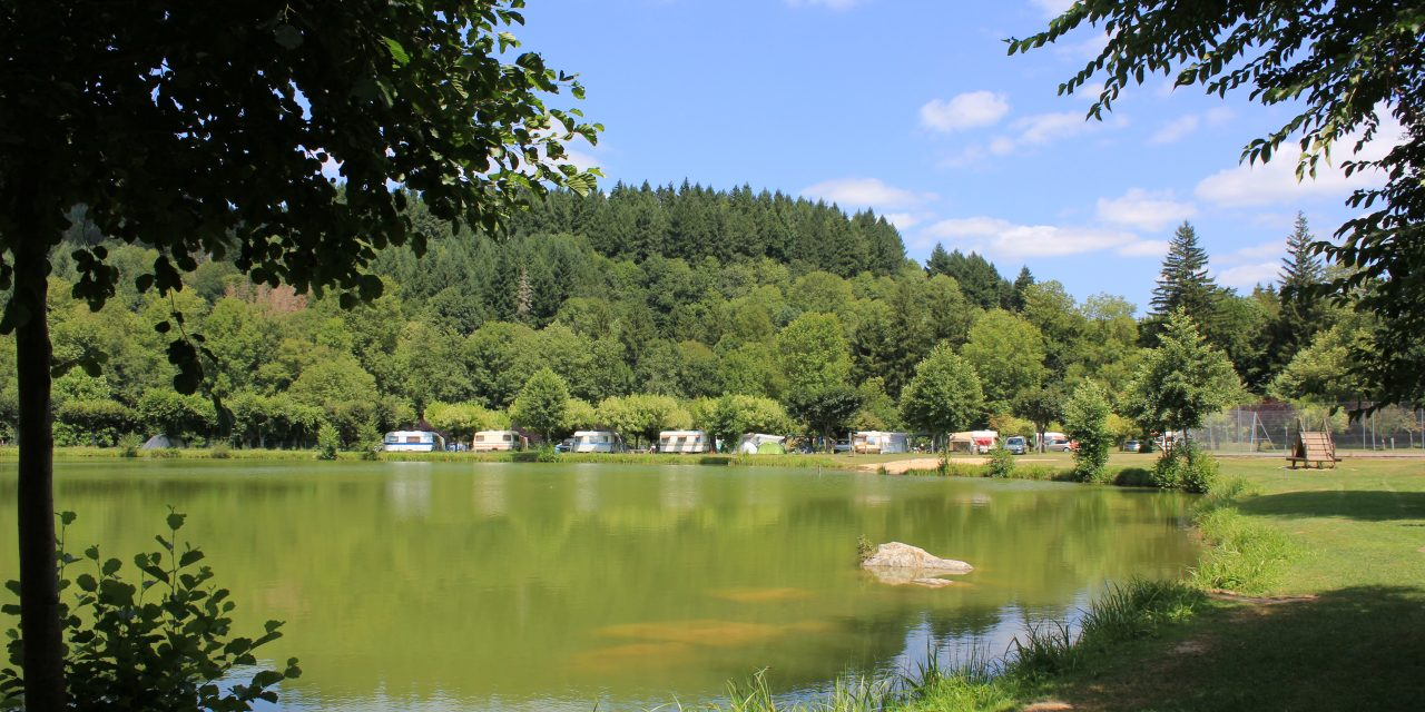 Viane, son lac et son camping